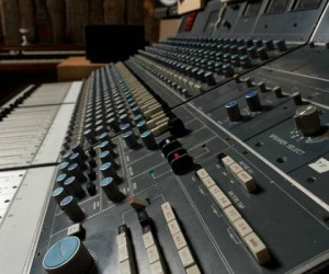 Virtue And Vice Neve Console Brooklyn NY